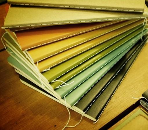 lot de 2 carnets de notes en papier recycl stitch labrador. Black Bedroom Furniture Sets. Home Design Ideas