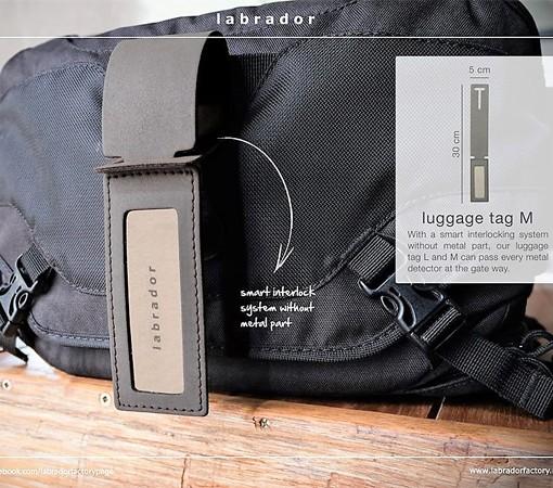 etiquette à bagage cuir-maroquinerie-lakange-labrador-article voyage cuir- porte étiquette à bagage en cuir.5