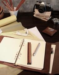 porte carnet-lakange-cuir-chic-labrador-design-elegant-cadeau-affaire-maroquinerie-carent-voyage (6)