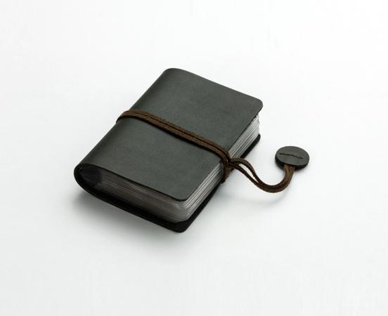 Porte-cartes de visite en cuir avec fermeture à lacet