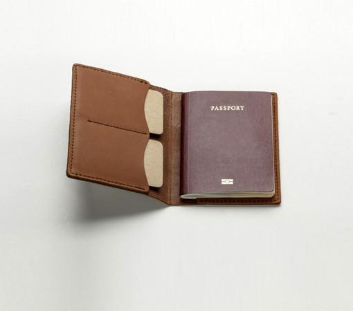 etui porte passeport en cuir homme et femme. Black Bedroom Furniture Sets. Home Design Ideas