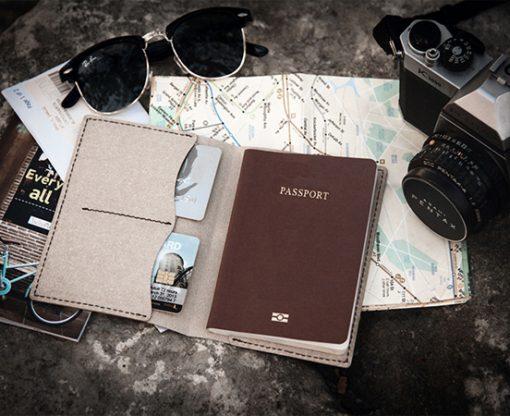 porte-passeport-cuir-recycle-passport-cadeau-affaire-lakange-labrador-compagnon-voyage