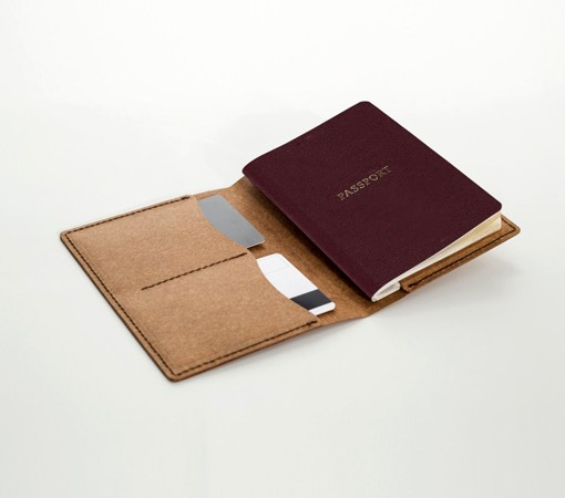 portepassport cuir-porte carte-labrador-cuir-recycle-cuir-lakange-porte passeport.2