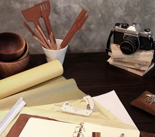 couvert-cuisine-cuir-chic-capuchon-sauve pointe-crayon-lakange-labrador1jpg