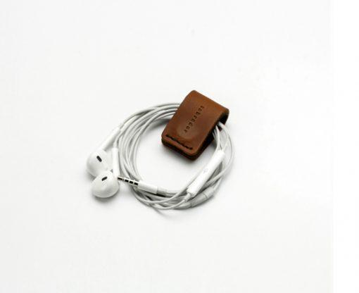 pince-ecouteurs-cuir-lakange-labrador-cadeau-affaires-range