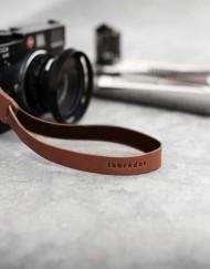laniere appareilphoto cuir-laniere cuir appareil photo-lakange-labrador-camerastrap cuir.2
