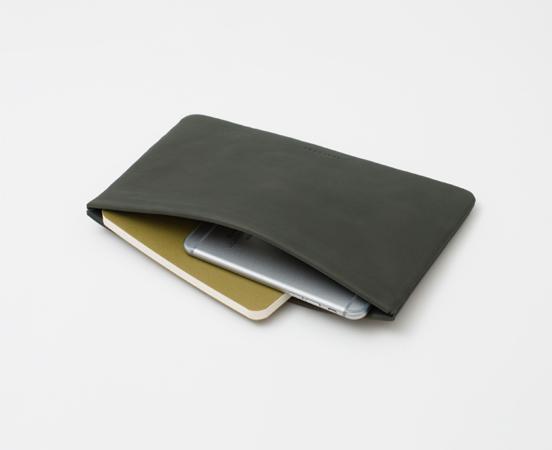 trousse-pochette-cuir-lakange-labrador-papeterie-maroquinerie-crayons-stylos-1